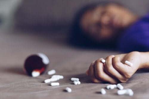 تسمم الأدوية – أنواعه، أعراضه، وما يجب القيام به لمواجهته