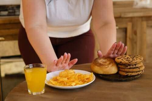 توازن الجلوكوز – تجنب 10 أنواع من الأطعمة للحفاظ عليه