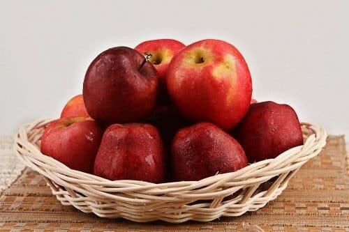 سلة تفاح