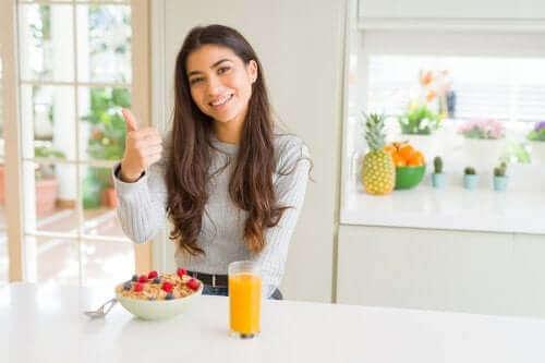 وجبة إفطار متكاملة – ما الأطعمة التي يجب إدراجها فيها؟