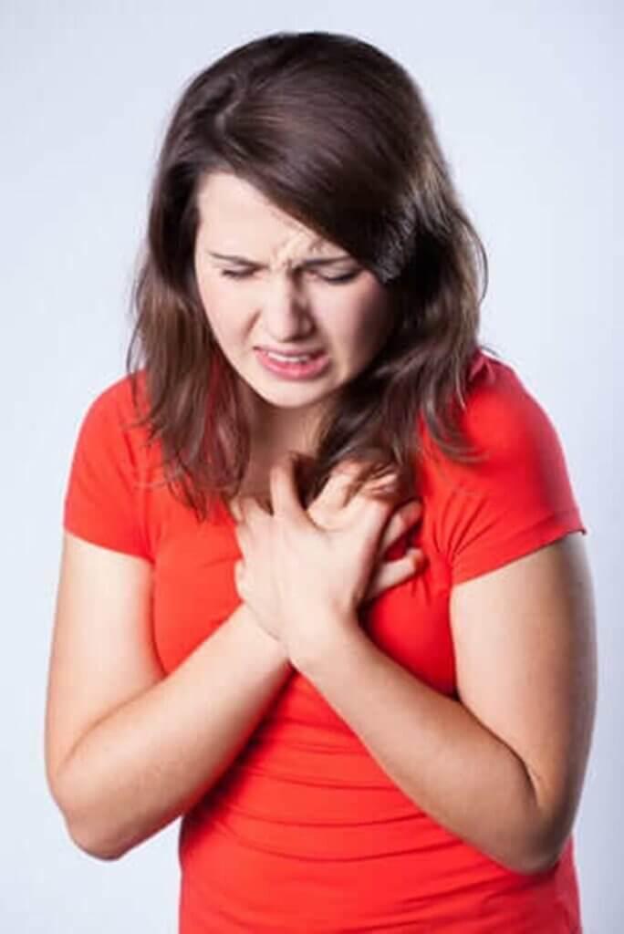 آلام الصدر - اكتشف الأسباب التي قد تؤدي إلى ظهورها
