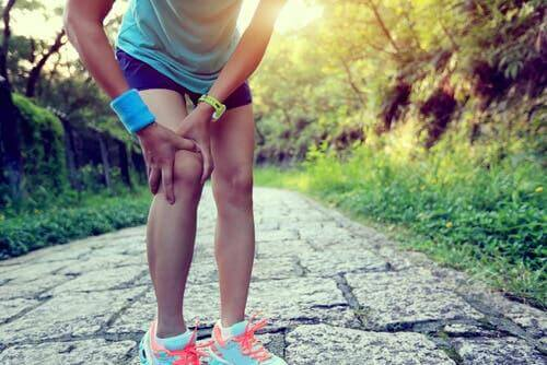 ركبة العداء - اكتشف معنا علاجات طبيعية لمكافحة الحالة