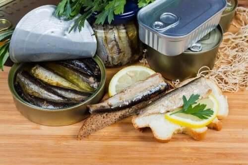 الأطعمة المعلبة – هل من الصحي استهلاك السوائل الموجودة فيها؟