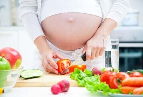أهمية النظام الغذائي خلال فترة الحمل