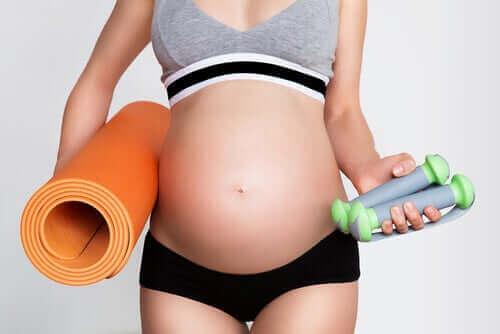 التمارين والحمل: أشياء يجب أن تضعيها في اعتبارك