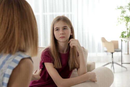 الكذب في مرحلة المراهقة - سيناريو مخيف لجميع الآباء