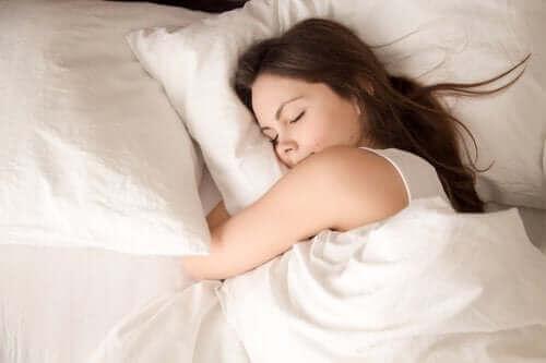 جودة النوم – كيف تؤثر نشاطاتك خلال اليوم على نومك ليلًا؟