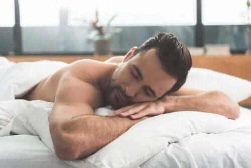 ما تقوم به خلال اليوم يؤثر على جودة النوم