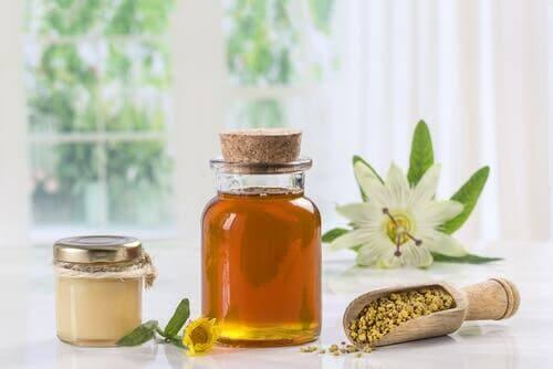غذاء ملكات النحل - هل يساعد على تعزيز الجهاز المناعي حقًا؟