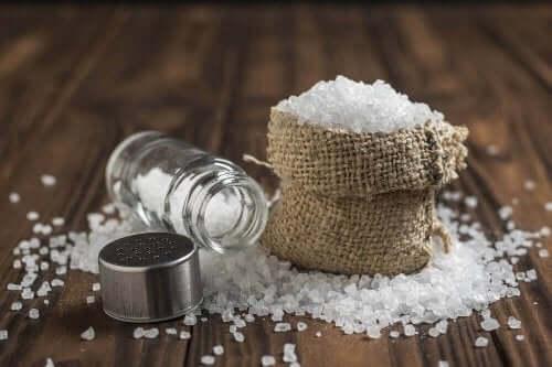 6 حقائق عن استهلاك الكثير من الملح