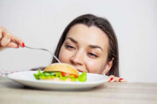 ما هي عواقب الإفراط في الأكل؟