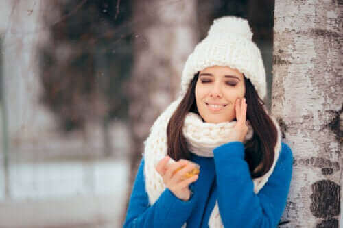 روتين فصل الشتاء للعناية بالبشرة الدهنية
