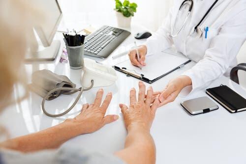 التهاب المفاصل – أكثر الأسئلة شيوعًا حول المرض