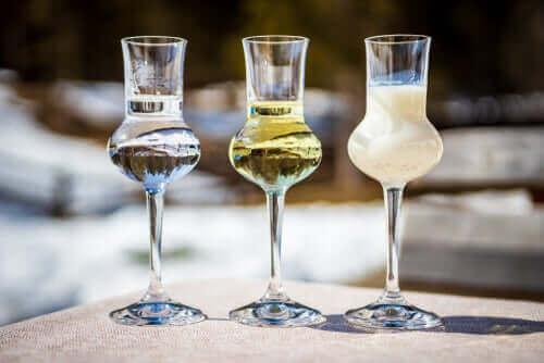 المشروبات الكحولية الهاضمة – هل ينصح باستهلاكها في أي حالة؟
