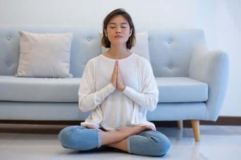 اليوغا والتأمل
