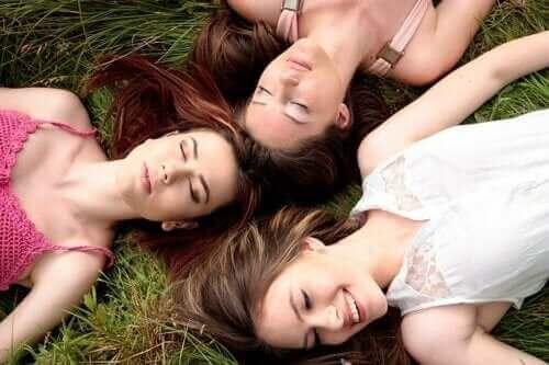 تزامن الدورات الشهرية للنساء - هل هي ظاهرة حقيقية؟