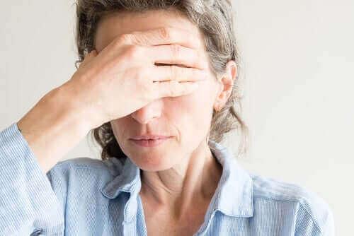 جفاف العين أثناء انقطاع الطمث