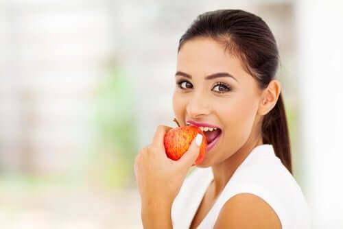الخرافات الغذائية والفواكه