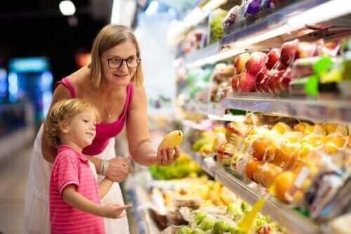 تغذية الأطفال السليمة خلال فصل الصيف - 7 نصائح ستساعدك