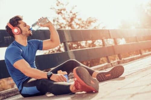 التوازن الكهرلي المائي للجسم - ما هو وكيف يمكن الحفاظ عليه؟