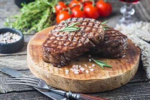 المعدل المناسب لاستهلاك اللحوم الحمراء في الأسبوع