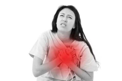 النوبة القلبية – تعرف على الأعراض التي قد تشير إليها