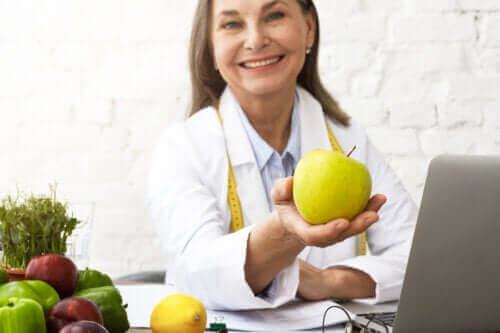 أصح الأطعمة لكبار السن - اكتشف معنا بعض الخيارات الرائعة