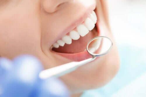 حمض الهيالورونيك في طب الأسنان