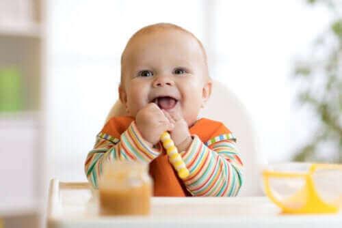 عملية الفطام – كيفية البدء في إدراج الأطعمة في نظام طفلك الغذائي
