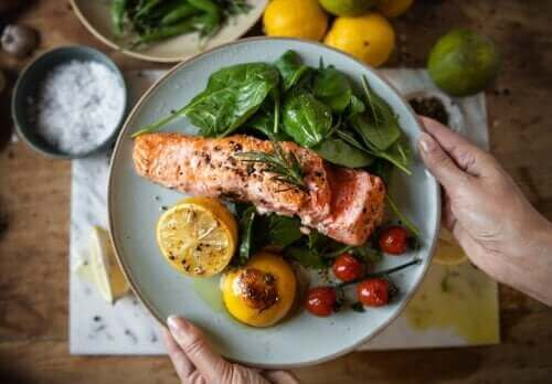 وجبة العشاء المبكرة لفقدان الوزن ومكافحة مرض السكري