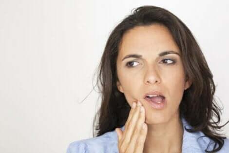 حساسية الأسنان وطبقات الأسنان