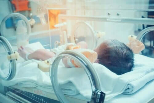 طفل مصاب بحالة تعفن الدم