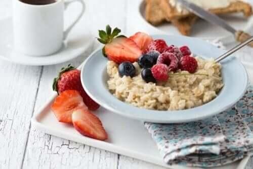 الفوائد الصحية لوجبة الإفطار عالية الكربوهيدرات