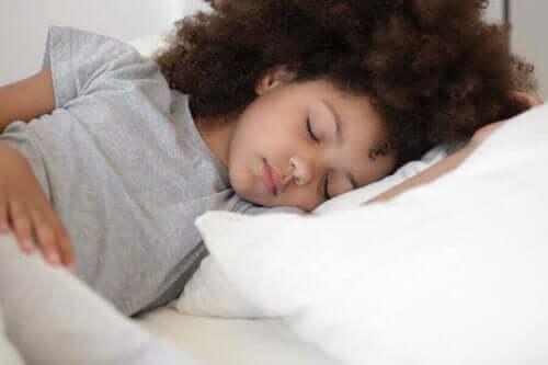 علاج الصداع النصفي لدى الأطفال