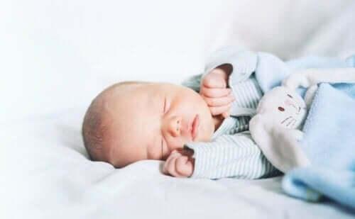 مسببات انقطاع النفس النومي لدى الرضع