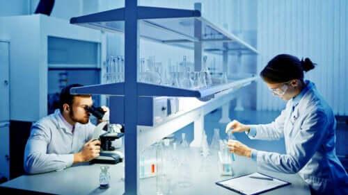 الدراسة العيانية لنتائج فحص السائل المنوي