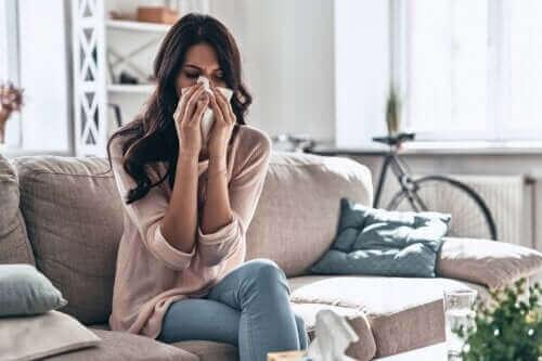 نزلة البرد - كيف يمكن التعامل مع الحالة في المنزل؟