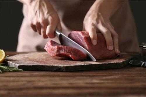 حمية آكلي اللحوم – هل هي من الأنظمة الغذائية الموصى بها؟