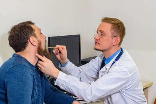 أمراض الأحبال الصوتية الثلاثة الأكثر شيوعًا