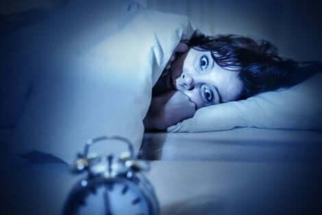 سبب ظهور شلل النوم