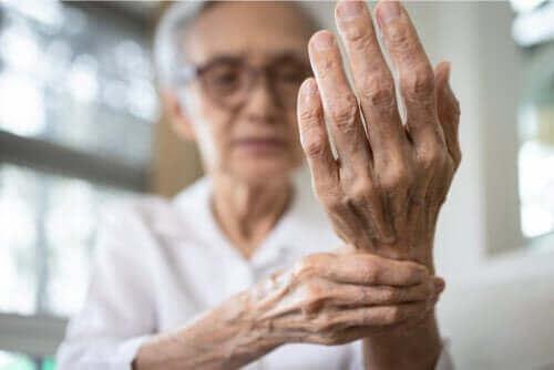 التهاب زليل الوتر – سمات الحالة، مسبباتها وطرق علاجها