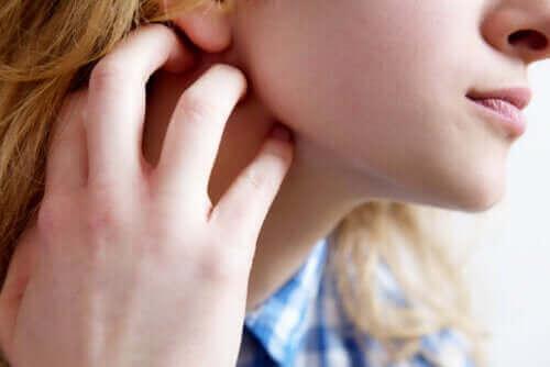 الحكة الجلدية - الأعراض، المسببات وبعض التوصيات للتعامل مع الحالة