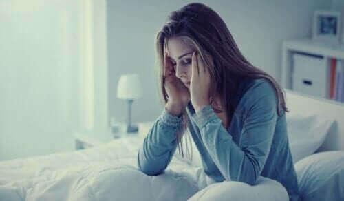 القلق أثناء الليل – الأعراض والمسببات ووسائل العلاج