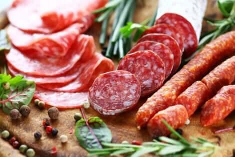 المضافات الغذائية في المنتجات المعالجة