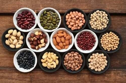 مجموعة من البذور والبقوليات - فيتامين (ب) المركب
