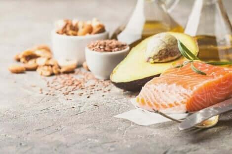 الحميات قليلة الكربوهيدرات ودور الدهون