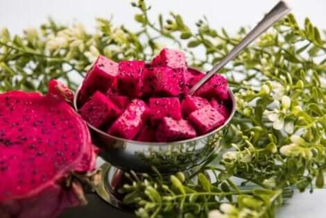 كيف تختار وتأكل فاكهة التنين