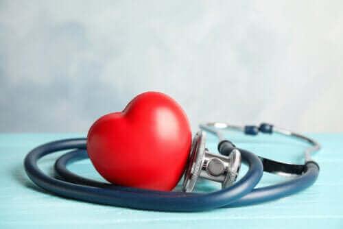 أنواع أمراض القلب الأكثر شيوعًا وأعراض كل منها