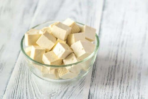 الجبن النباتي - اكتشف معنا الأنواع والفوائد