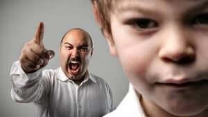 الصراخ يؤثر على صحة الأطفال الجسديةس